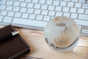 なんとなく、グローバル投資を デスクトップでお手軽に、って感じ?